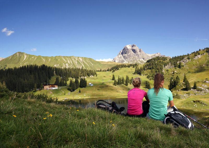 Wanderpause in Vorarlberg in einmaliger Landschaft