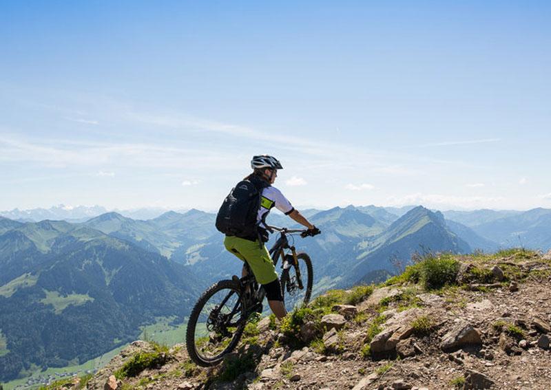 Mit dem Mountainbike am Berg unterwegs in Vorarlberg