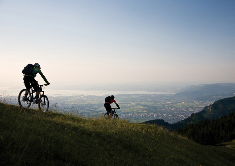 Mit dem Mountainbike bergauf und bergab in Vorarlberg